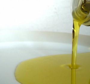 oil-1162433-639x594